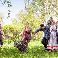 """Весенний праздник """"Красная Горка"""" :: Владимир Голиков"""