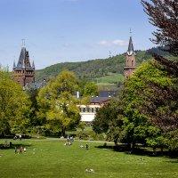 В городском парке :: Viktor Schnell