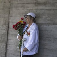 Ветеран у мемориала :: Aнна Зарубина