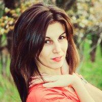 Хорошо быть единственной девушкой в мужском коллективе: ты у них и за умницу, и за красавицу... :: Наталья Александрова