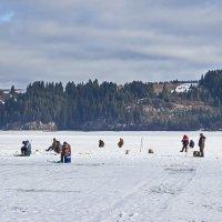 Рыбалка по последнему льду :: val-isaew2010 Валерий Исаев