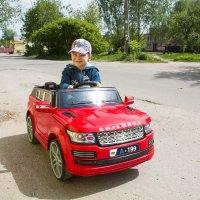 На личном авто :: Виктор Филиппов