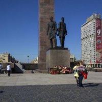 У памятника :: Aнна Зарубина
