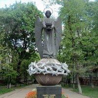 Памятник Ангел-Хранитель воинам-интернационалистам в центре города Люберцы :: Ольга Кривых