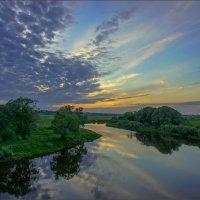 В майский закат на реке Нерль :: Igor Andreev