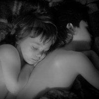 Спящие братья :: Дмитрий Барабанщиков
