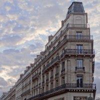 Дом -утюг...в Париже. :: Ольга