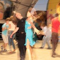 Танцы :: Владимир Киселев