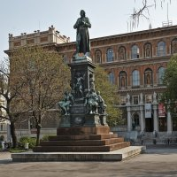 Памятник Шиллеру перед Академией изобразительных искусств :: Виктор Тараканов