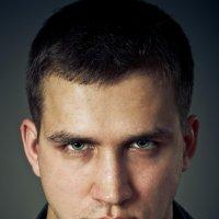 Мужской портрет :: Evgeniy Lezhnin