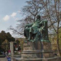 Памятник Гете :: Виктор Тараканов