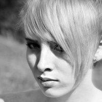 ... :: Kseniya Logan