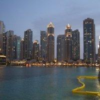 Дубай, близ Burj Halifa, ОАЭ :: Роман _