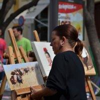 выставка ... художник расставляет работы :: Nina Delgado