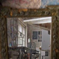 пространство в  старом зеркале :: Ирэна Мазакина