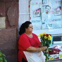Продавщица цветов :: M Marikfoto