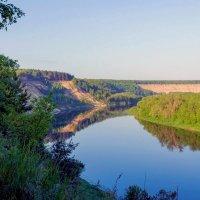 Утро у реки.. :: Юрий Стародубцев