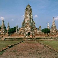 Древний храм Чай Ваттанарам :: Евгений Печенин