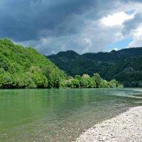Изумрудная вода реки Дрина :: Tatiana Belyatskaya