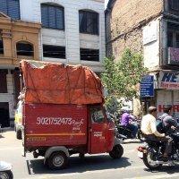 В городе Пуна, Индия. :: Елена