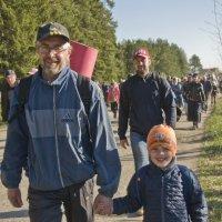 Паломники: Дед и внук. (№ 25) :: Андрей Синицын
