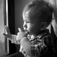Задумчивый малыш. :: Светлана Диль