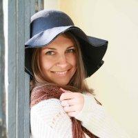 Девушка в шляпе :: Наталья