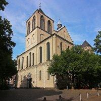 Basilika St.Kunibert :: Alexander