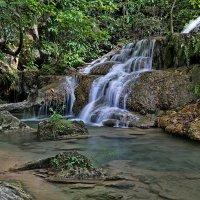 Один из семи каскадов водопада Эраван :: Евгений Печенин