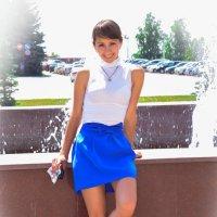 Летний портрет у фонтана :: Сергей Тагиров