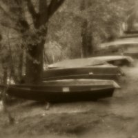 п.Белые Берега.Парк.Лодки. :: Владимир Безгрешнов