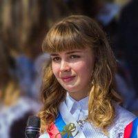 Выпускница... как радостно... как грустно... :: Андрей Розов