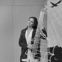 басистка))) :: Тарас Золотько