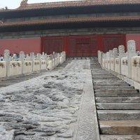Пекин, Закрытый город, лестница с драконами :: Сергей Смоляр