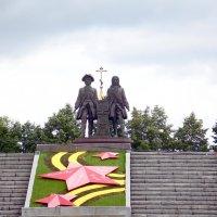 Екатеринбург. Памятник основателям города :: Tim Andrews