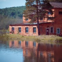 старая насосная станция :: Андрей Хлопин