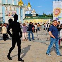 Словно тень...Брось, не крадись и от фантазии очнись! :: Валентина Данилова