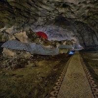 в пещерном храме(серия) :: Александр