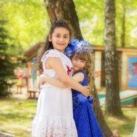 две подружки :: Tatsiana Latushko