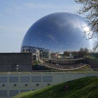 кинотеатр Geode в парке Ла-Виллет, Париж :: Михаил Сбойчаков