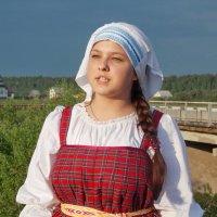 Есть девушки в русских селеньях. :: Марина Никулина
