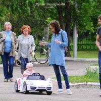 На прогулке :: Ирина Виноградова