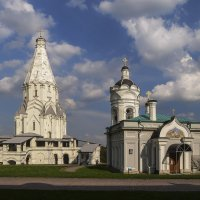 Церковь  Вознесения в Коломенском и небо над ним... :: Игорь Егоров