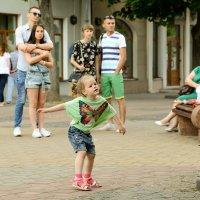 Городские танцы -2 :: Валерий Чернов