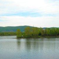 Рыбак на Енисее :: Любовь Иванова