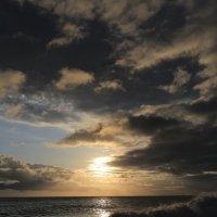 Шторм на закате :: valeriy khlopunov