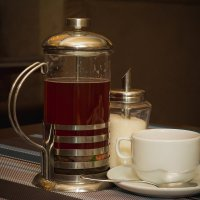 Клубничный чай и фарфоровая чашка :: Юлия Другова
