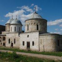 Успенский собор и Никольская церковь. Ивангород. :: Евгений К