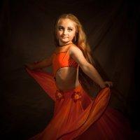 Девочка танцующая восток. :: Олег Дроздов