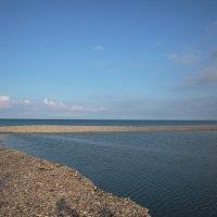 Река и море, встреча на рассвете :: Леонид